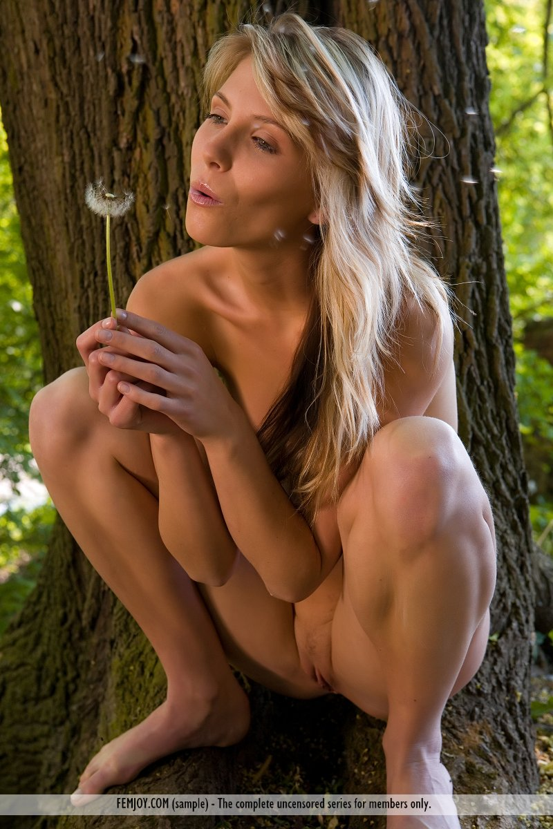 pics of tinker bell naked