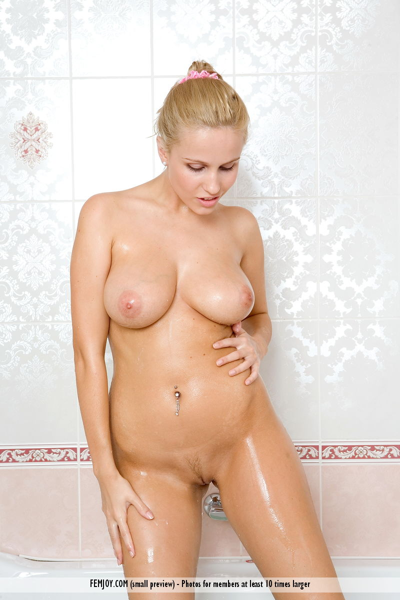 Porn fuck blonde cry gif