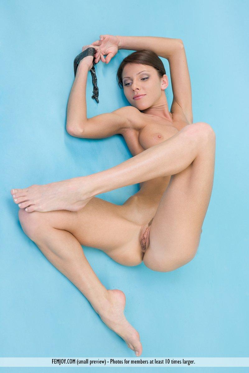 udalit-eroticheskoe-video