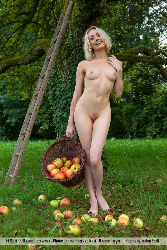 naked girl with fruit