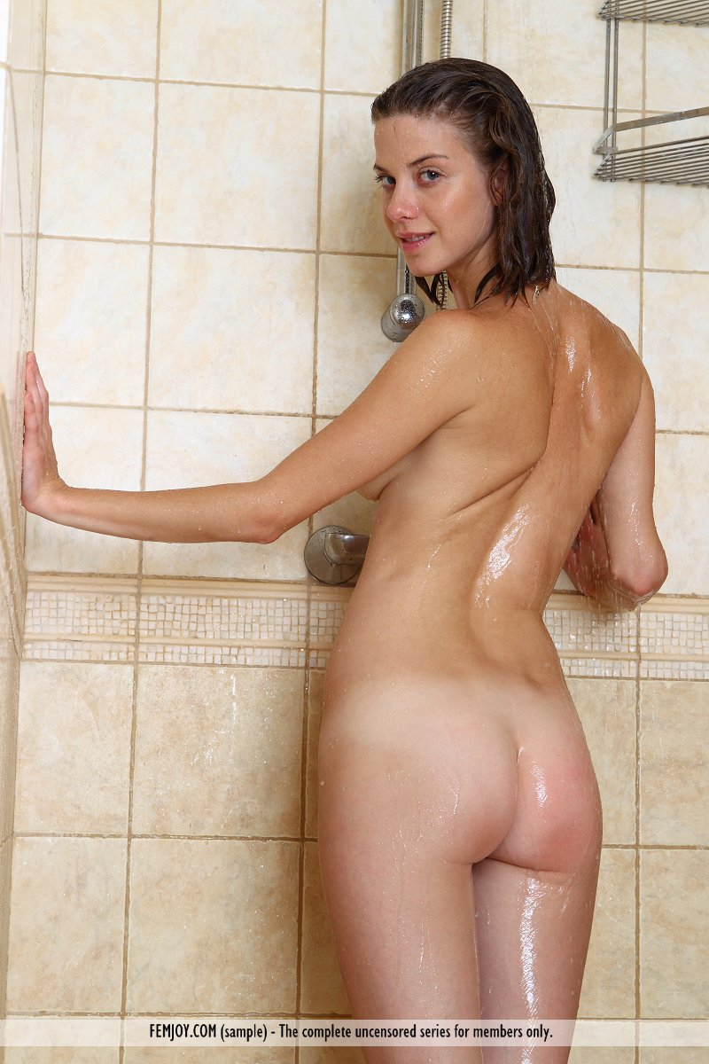 Pictures of naked women in the shower