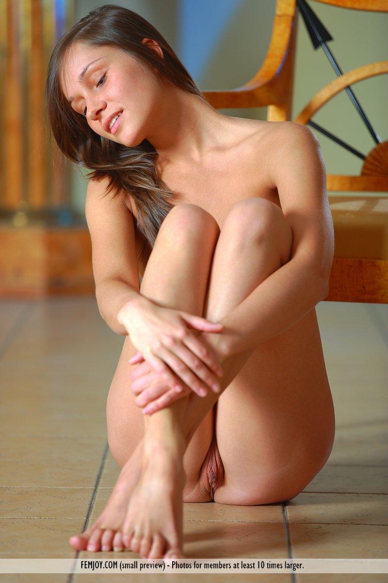 Nude girl on knees