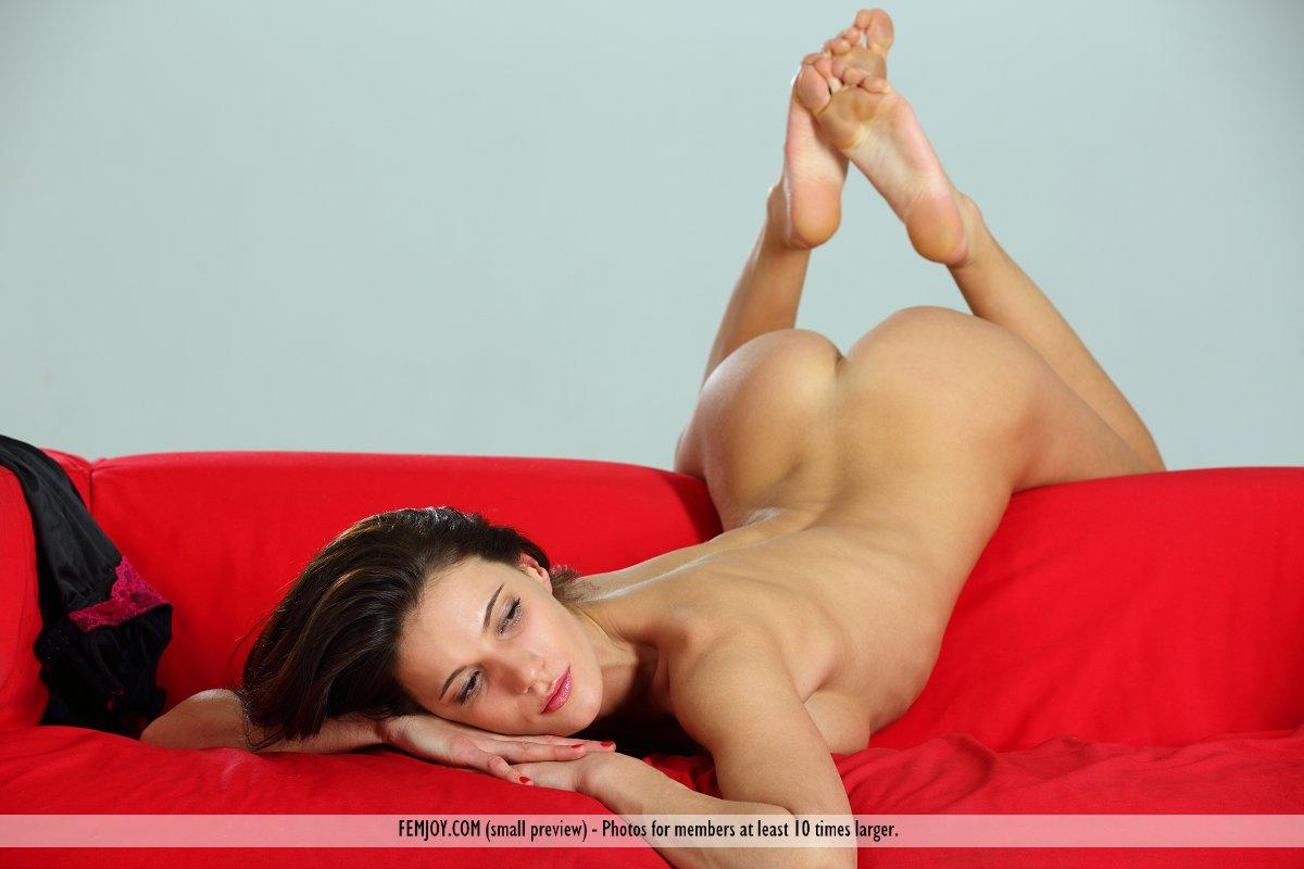 Sofa Nude 88