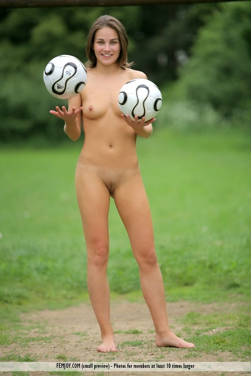 football player woman naked